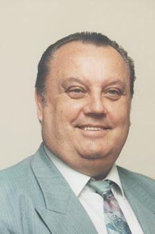 Dr. Pella László