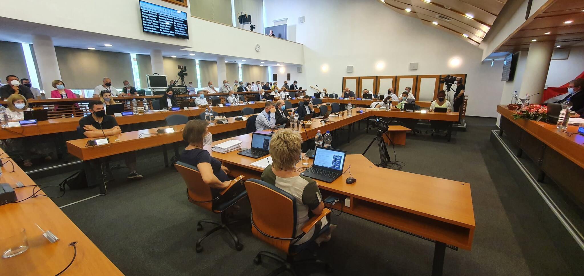 Képviselő-testületi ülésről kép