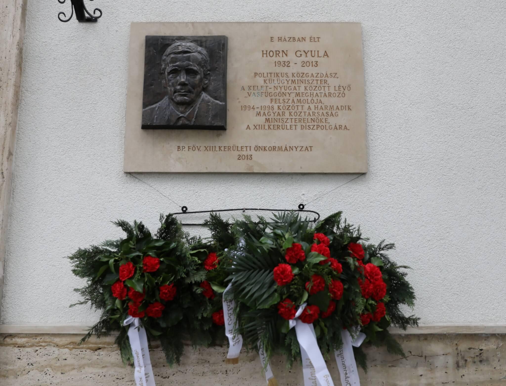 Horn Gyula emléktáblája